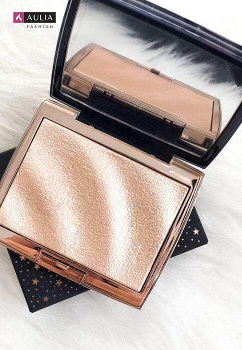 peralatan make up wajib punya by Aulia Fashion 13 - highlighter