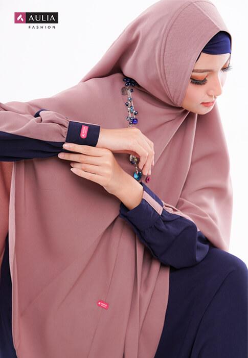 karakteristik gamis bahan wollycrepe by Aulia Fashion 2