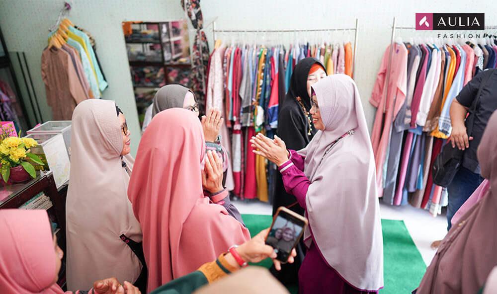cara mendapatkan pelanggan setia - tips Aulia Fashion 1